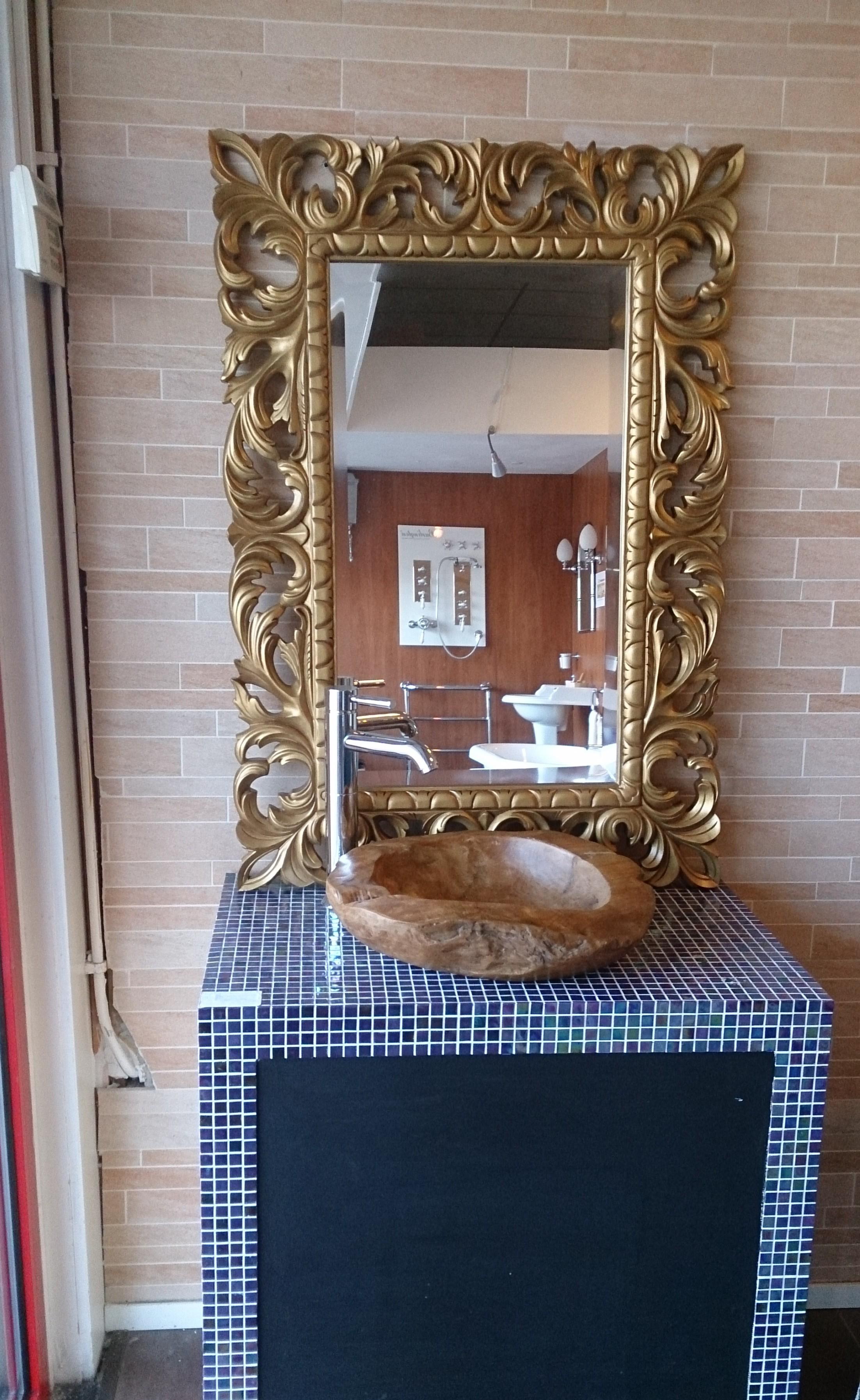 spiegel barok badkamermeubel-arredo, collin arredo wastafelkom in teak-hout, handgemaakt, op glasmozaïek van original-style in badkamershowroom badexclusief groningen, nederland. ook voor collin arredo maatwerkkasten en arredo-badmeubels