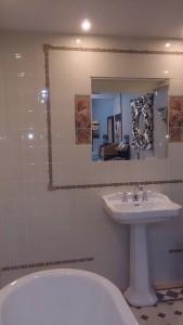 original-style, jugenstil tegels van alphonse mucha in showroom van badexclusief , dé badkamerarchitect van nederland uit groningen.original style victorian floor tiles in patroontegels, vloertegels dhg, dubbelhardgebakken, buitenkwaliteit, slijtvast, diverse natuurlijke kleuren, top kwaliteit tegel voor luxe badkamer en gastentoilet ( wc ) en of halvloer en keukenvloer. art work wandtegels van original-style voor keuken, wc, toiletruimte en badkamer inclusief douchecabine. bij badkamerarchitect badexclusief te groningen, nederland.
