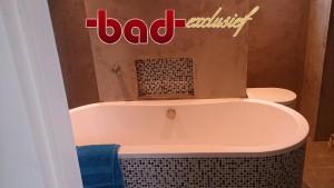 rvs-kranen ritmonio, original-style glasmozaïek, solid-surface en betoncire. topkwaliteit in badkamer-ontwerp, sanitair, tegelwerk en uitvoering door badkamerarchitect badexclusief te groningen.