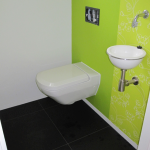 Villa in Haren aan de Rijksstraatweg met badexclusief wc en design fontein met rvs-kraan en sifon.diversen:
