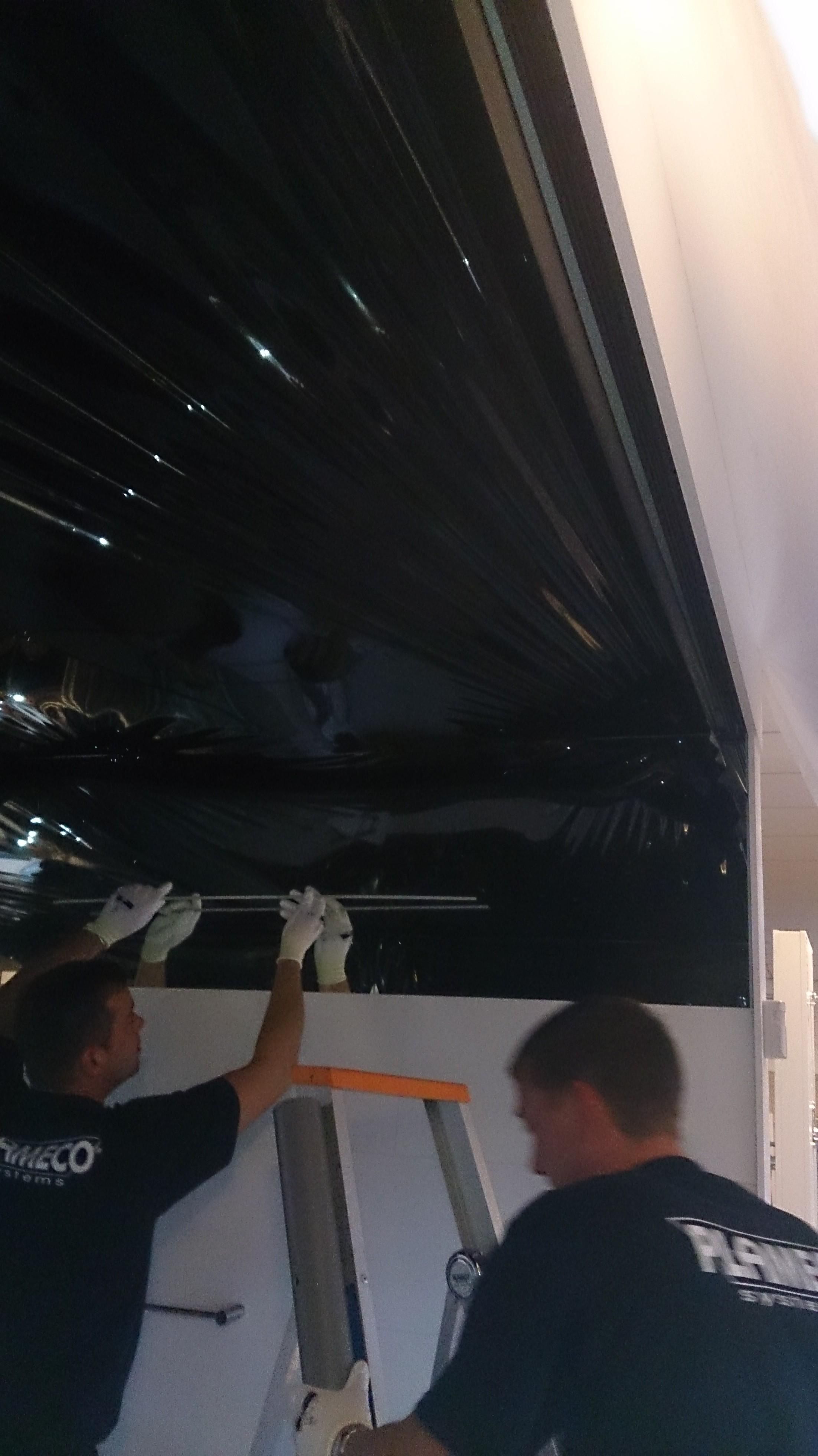 zwartspiegelplafond, spanplafond van Plameco bij Badexclusief